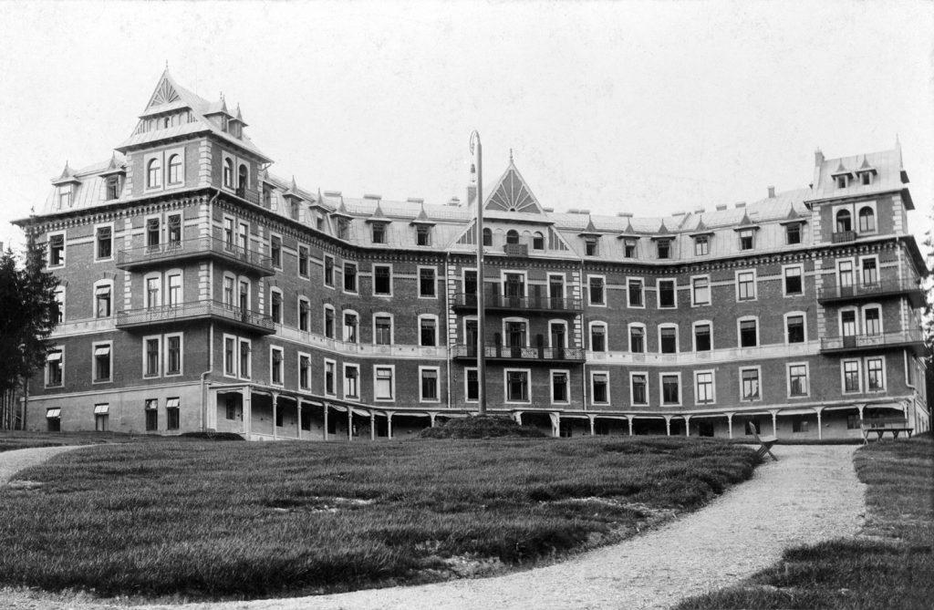 Archiwalne zdjęcie Sanatorium Dłuskich z 1902 roku