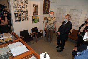 premier Gliński w Izbie Pamięci Palace