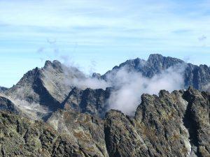 panorama Tatr w chmurach