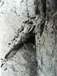 zdjęcie podczas wspinaczki retro