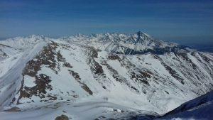 ośnieżony szczyt Tatr