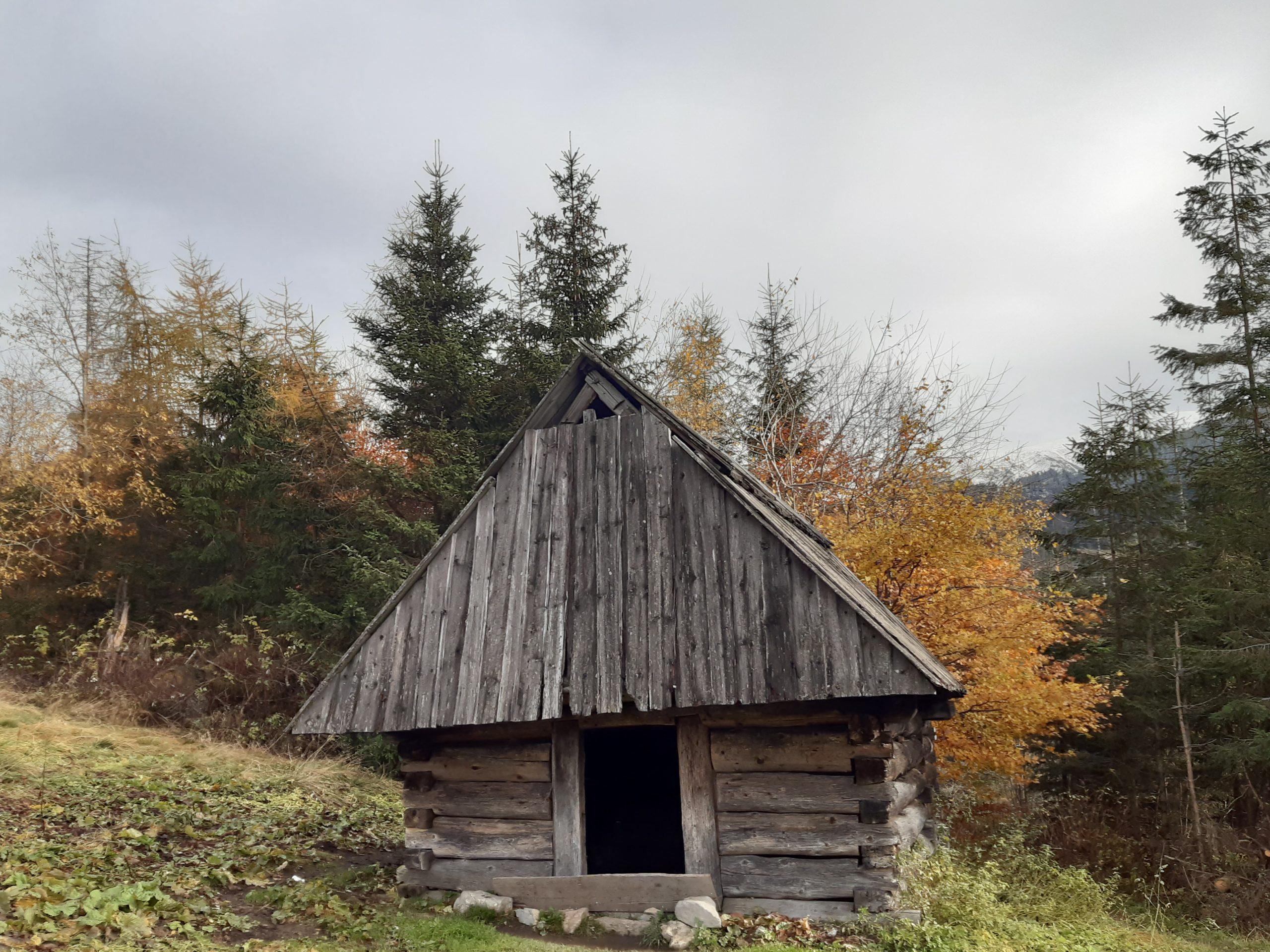 Tajemnicze Tatry, część 18. Dolina Lejowa szałasy – tajemniczy trawers – skałki wspinaczkowe…