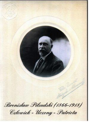 okładka, zdjecie portretowe B. Piłsudsiego - czarneo biale