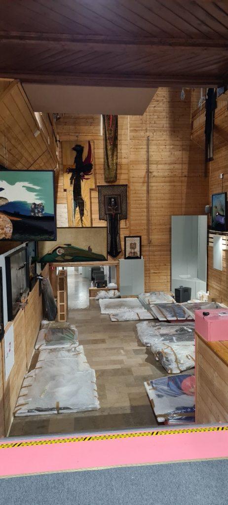 część ekspozycji w Galerii Hasiora