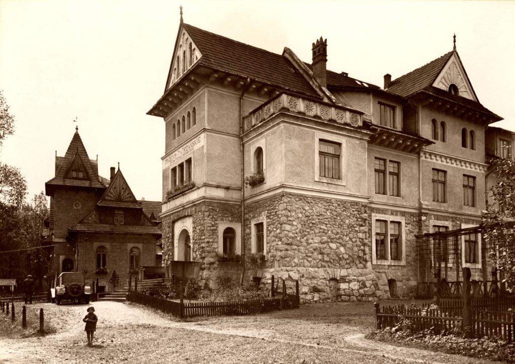 gmach główny zdjęcie archiwalne