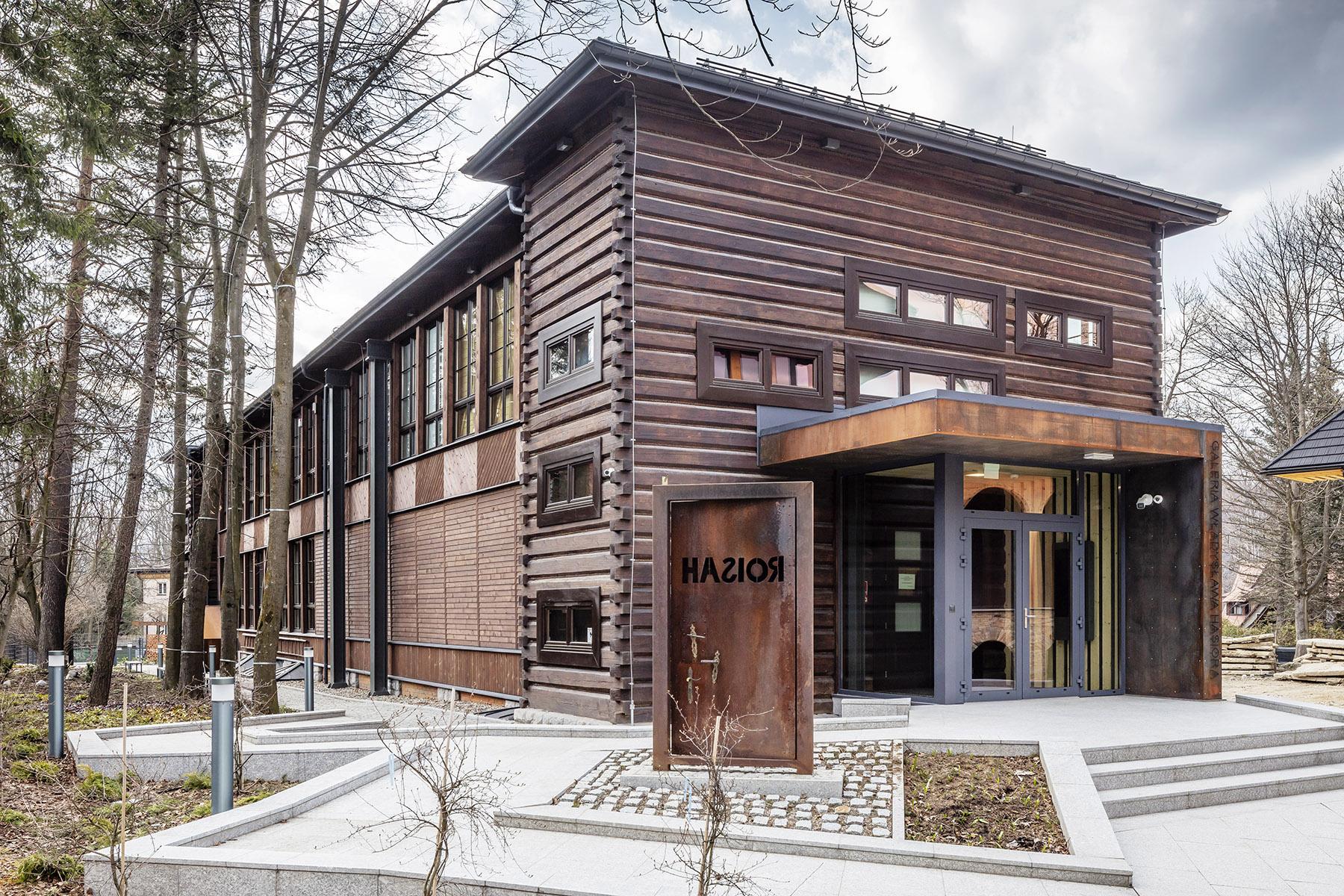 Budynek Galerii Hasiora, Fot. Daniel Rumiancew
